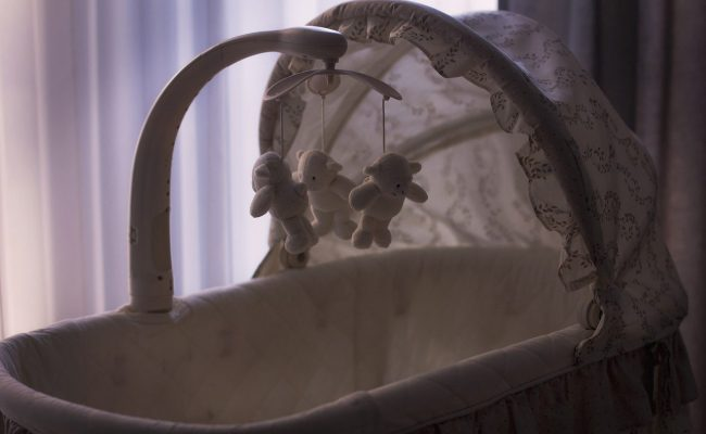 Bassinet vs. Crib: How to Decide